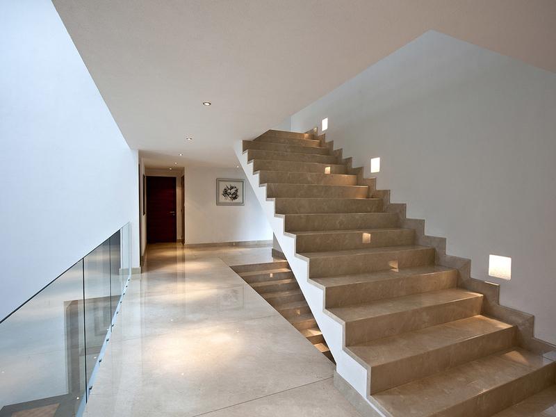 Лестница из мрамора M 1029