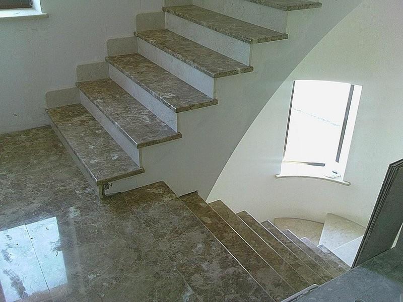 Лестница из мрамора M 1043