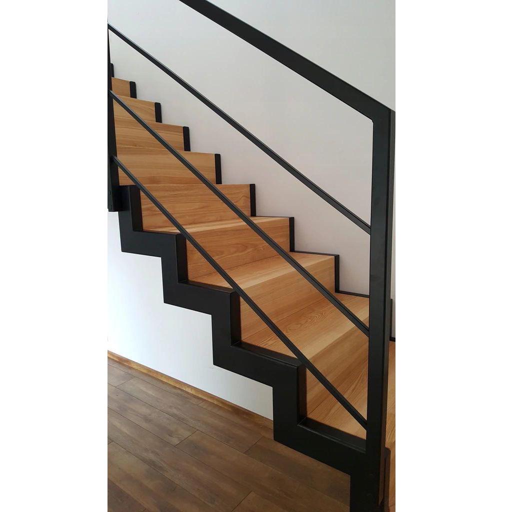 Лестница на металлическом каркасе N1