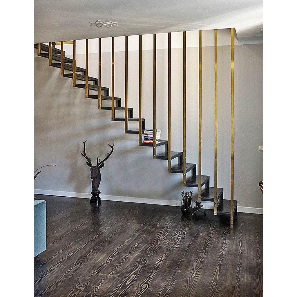 Лестница на металлическом каркасе N10