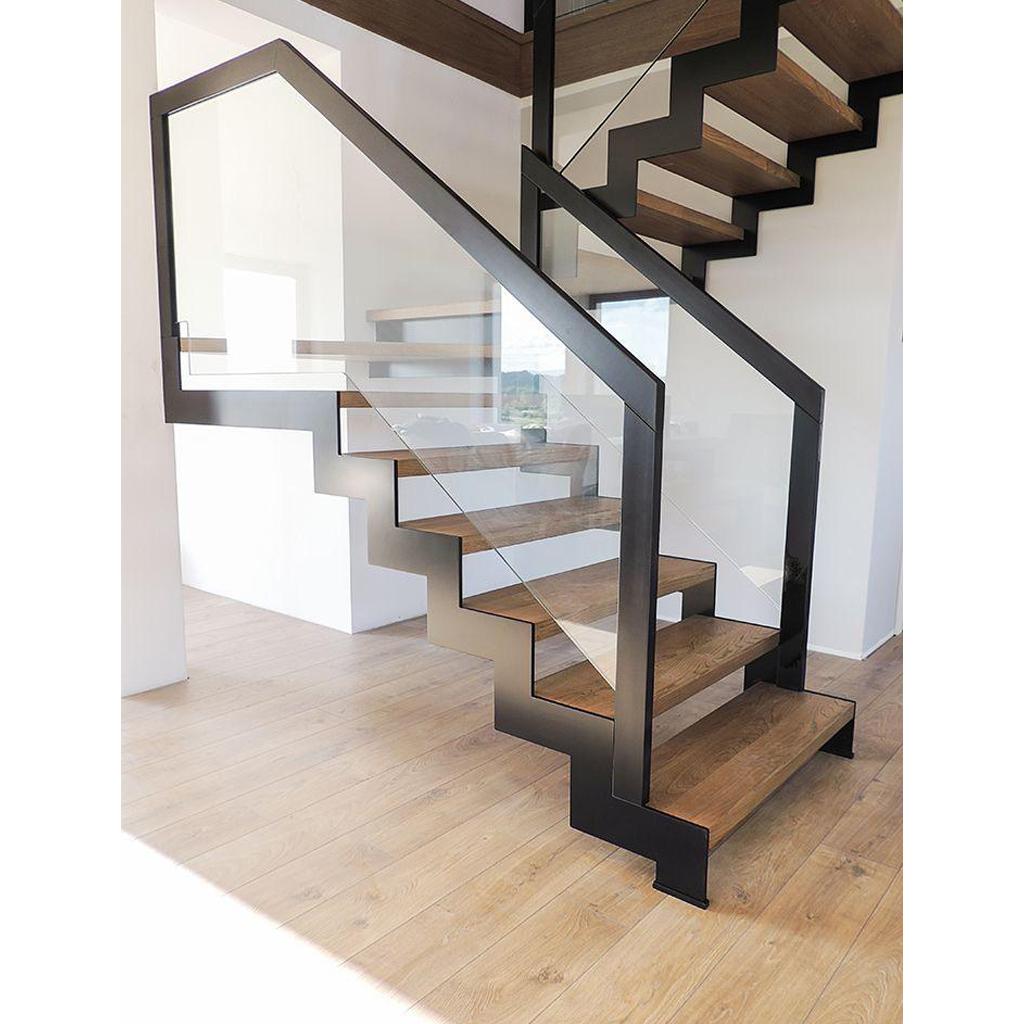 Лестница на металлическом каркасе N2