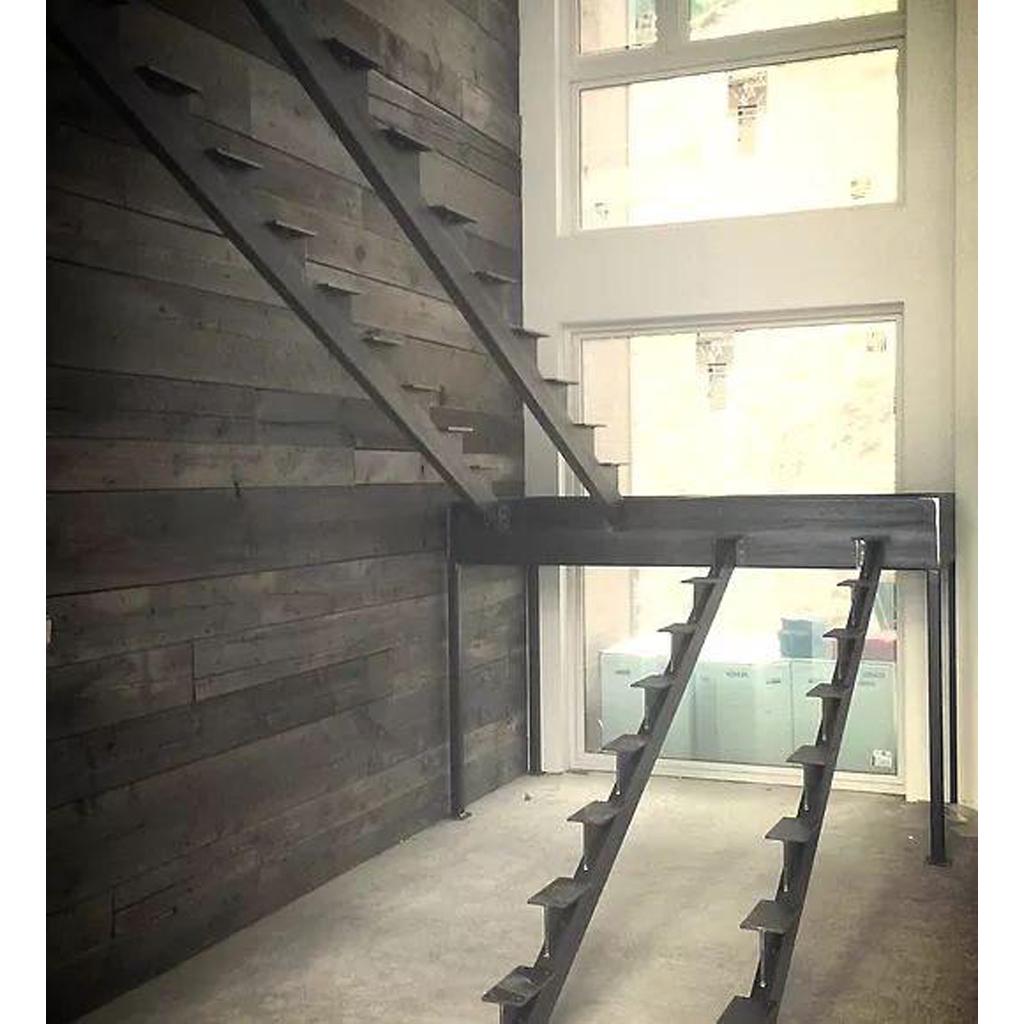 Лестница на металлическом каркасе N4
