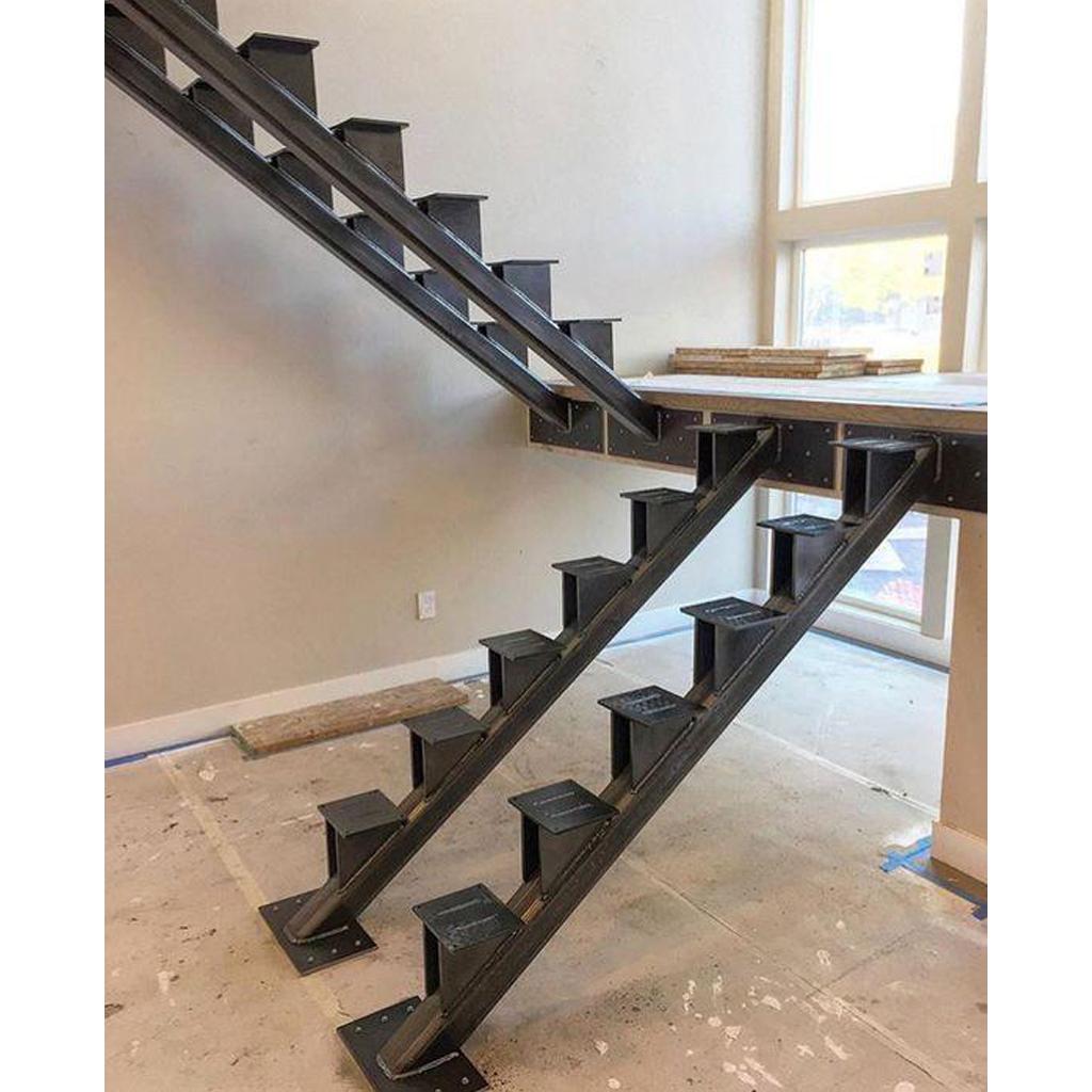 Лестница на металлическом каркасе N5