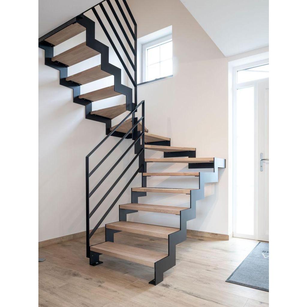 Лестница на металлическом каркасе N6