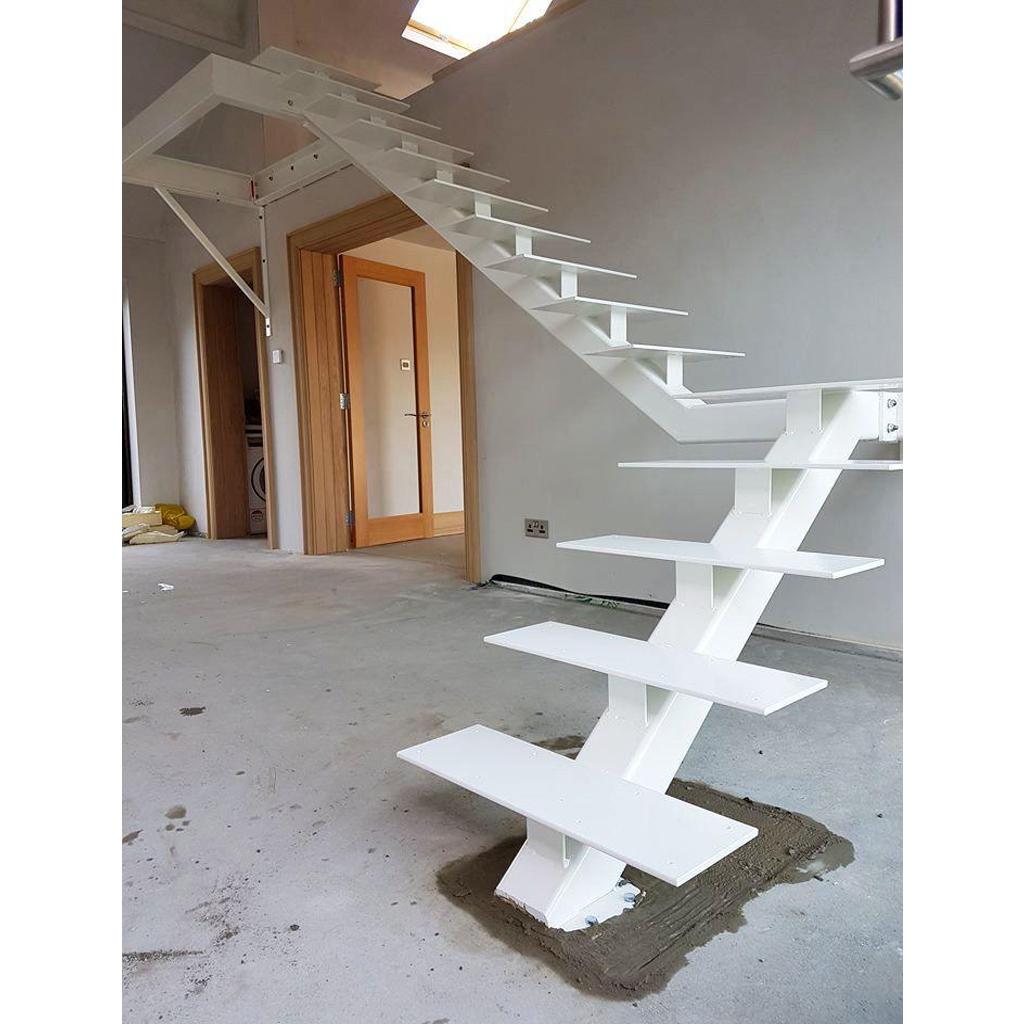 Лестница на металлическом каркасе N7