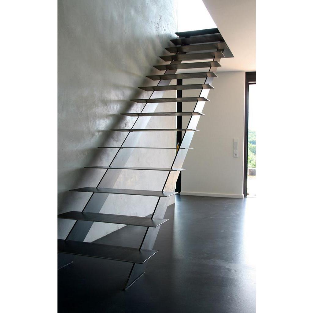 Лестница на металлическом каркасе N8