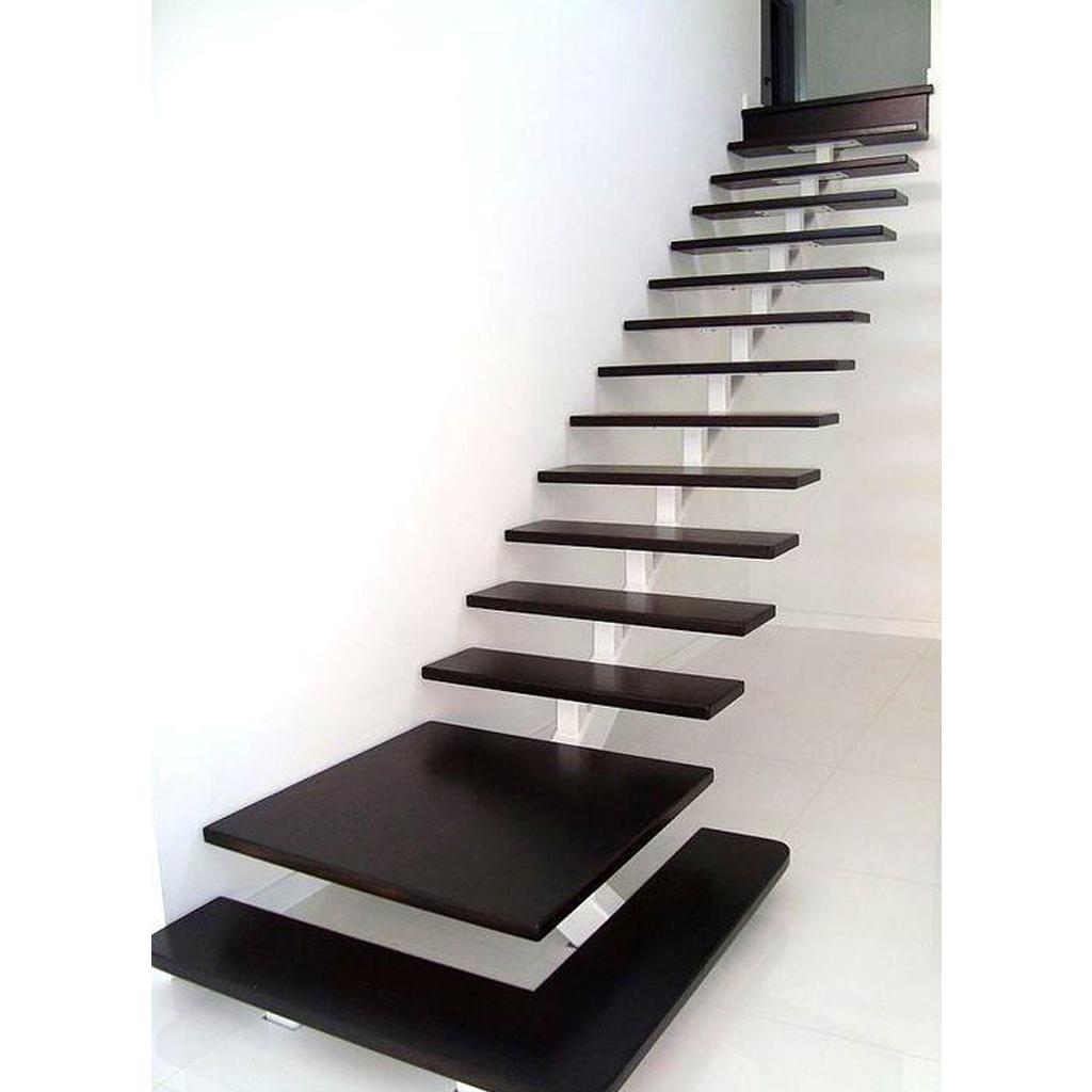 Лестница на металлическом каркасе N9